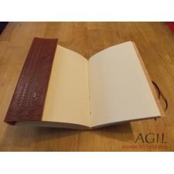 Lederbuch mit mittelalterlichem Motiv